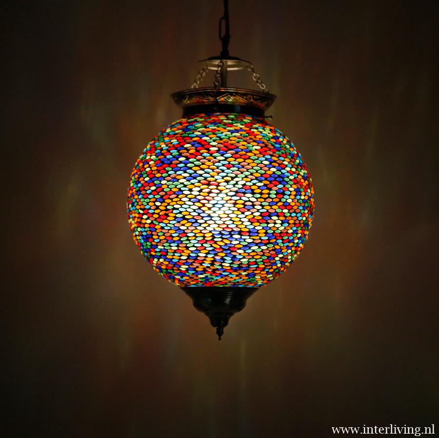 Kleurrijke hanglamp bol seed design mozau00efek - kleur in je interieur